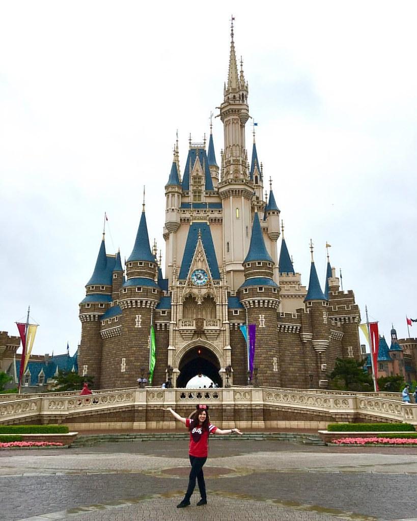 At Cinderella Castle At Tokyo Disneyland Last Week Disne Flickr