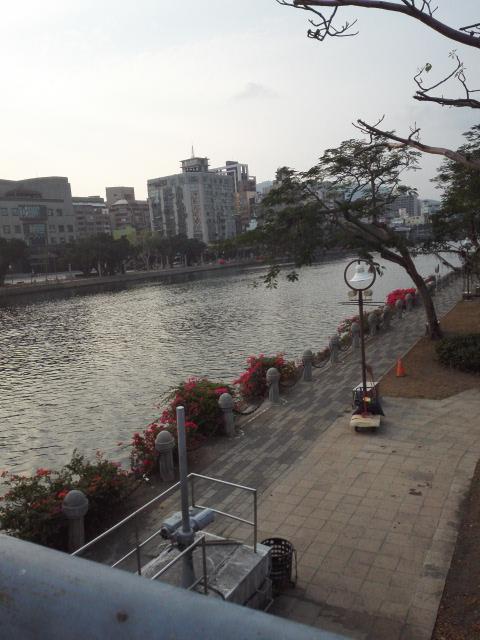 高雄と大阪の川沿いの風景は似てる