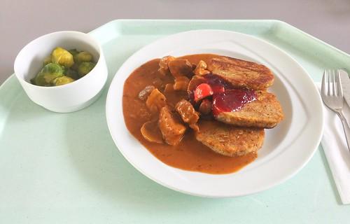 Boar chop with sweet chestnuts & napkin dumplings / Geschnetzeltes vom Wildschwein mit Maronen & Serviettenklößen
