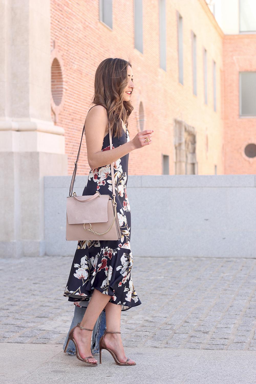 Floral dress denim jacket heels spring outfit style fashion02