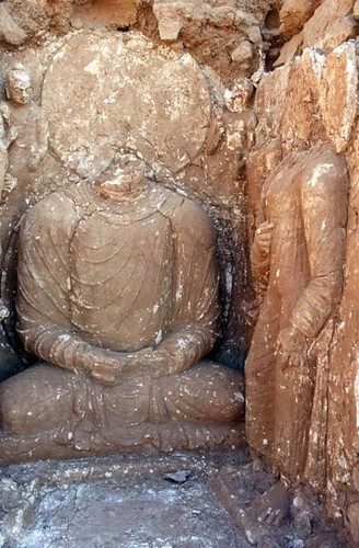Damaged stucco sculptures of Buddha at Bhamala. From Ancient Origins (1)