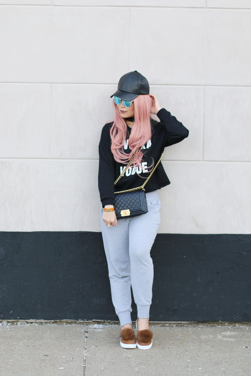 vodka-vogue-sweater-sweatpants-pink-hair-chanel-boy-bag-7