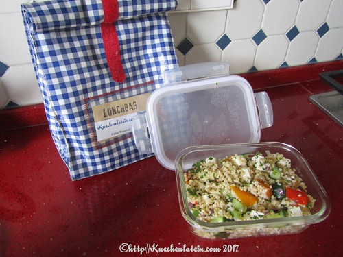 ©Quick couscous salad with peppers and feta for lunch@work
