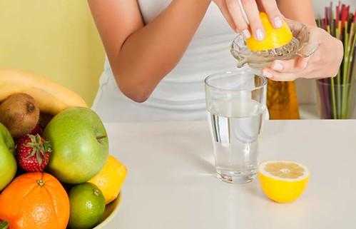 Вода з лимоном: заіпроти