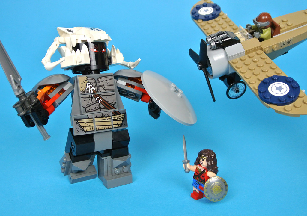 LEGO DC Comics Super Heroes 76075 Wonder Woman Warrior ...
