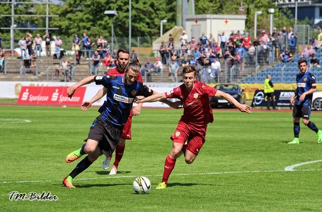 TuS Koblenz - VfB Stuttgart II 2:5 33830267493_49ec285418_z