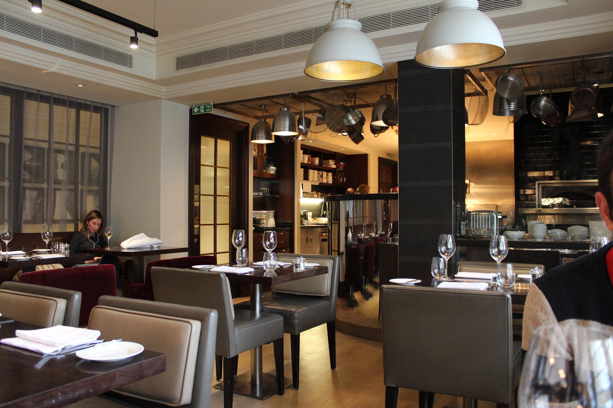 12 interior Hunter 486 The Arch London Restaurant Review FoodFashFit (8)