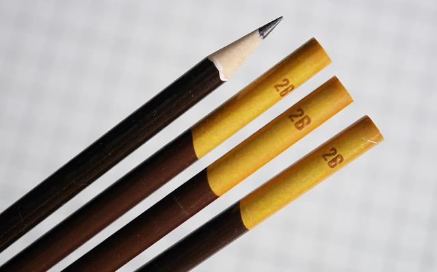 ダイソー ポッキー鉛筆 おかしみたいな細軸えんぴつ 100円ショップ 100均 文具 文房具