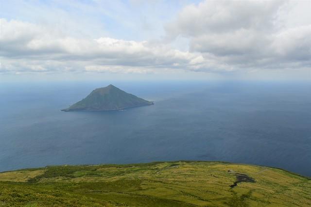 八丈小島と牧場