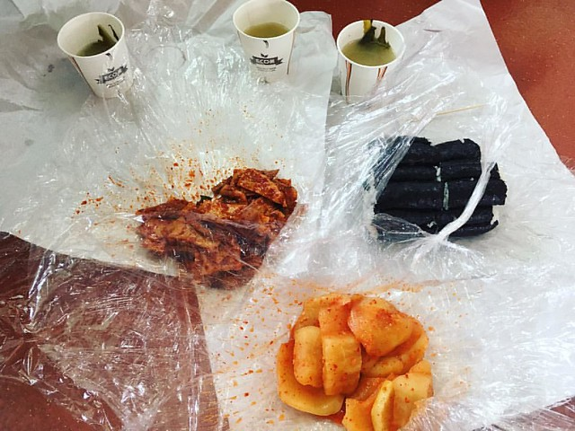 #통영 #충무김밥 오뎅볶음이 맛있었다. 김밥 안에 약간 매운 오뎅볶음 넣은 거 좋아한다.