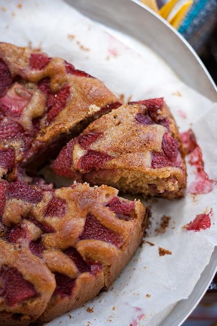 Torta di fragole con farina di segale