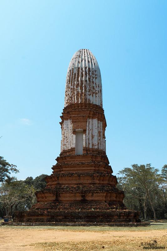 The Fruit Shaped Tower (Prang Mafuang) Chai Nat