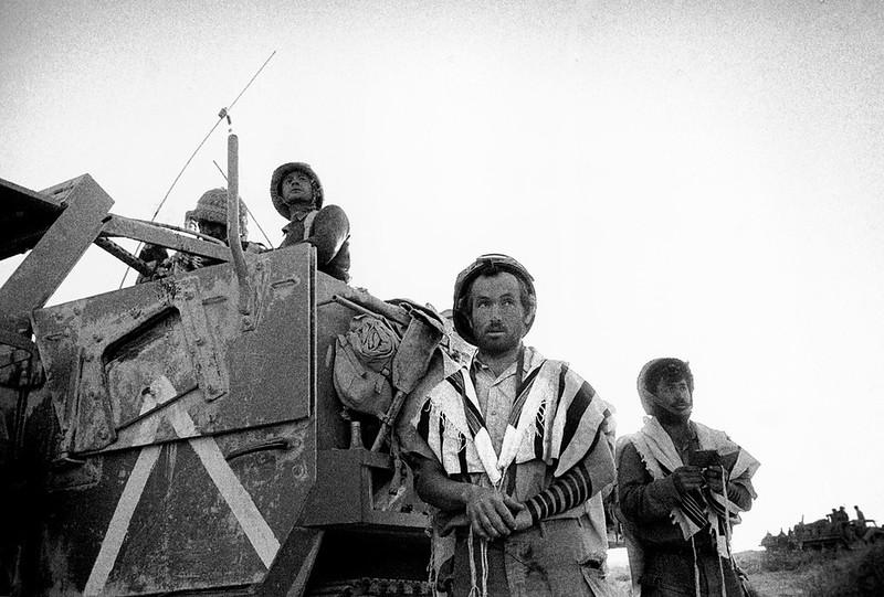 M3-halftrack-sinai-1967-mag-1