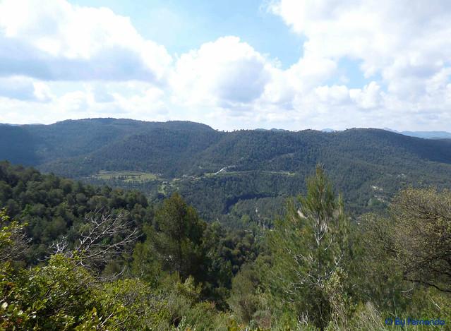 Moià - Revolt de l'Àliga -01-Vall de Marfà, Masia, Sant Pere de Marfà y Cementerio 01(29-04-2017)