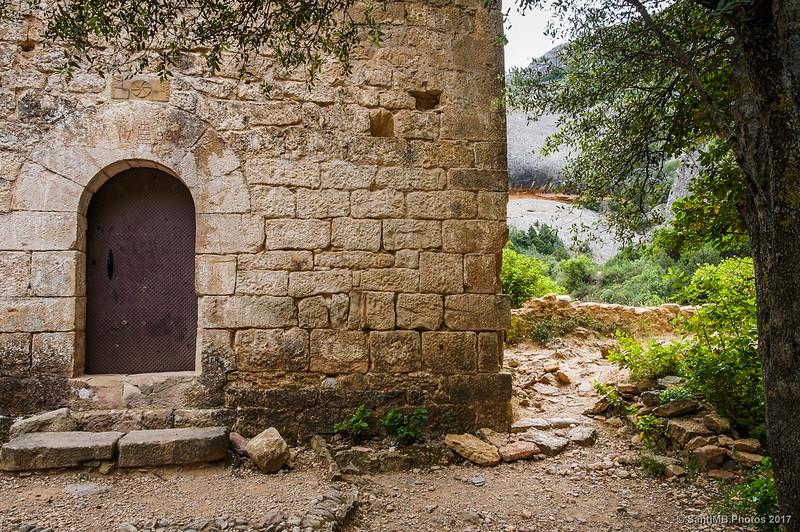 Puerta de Sant Bartomeu de Fraguerau