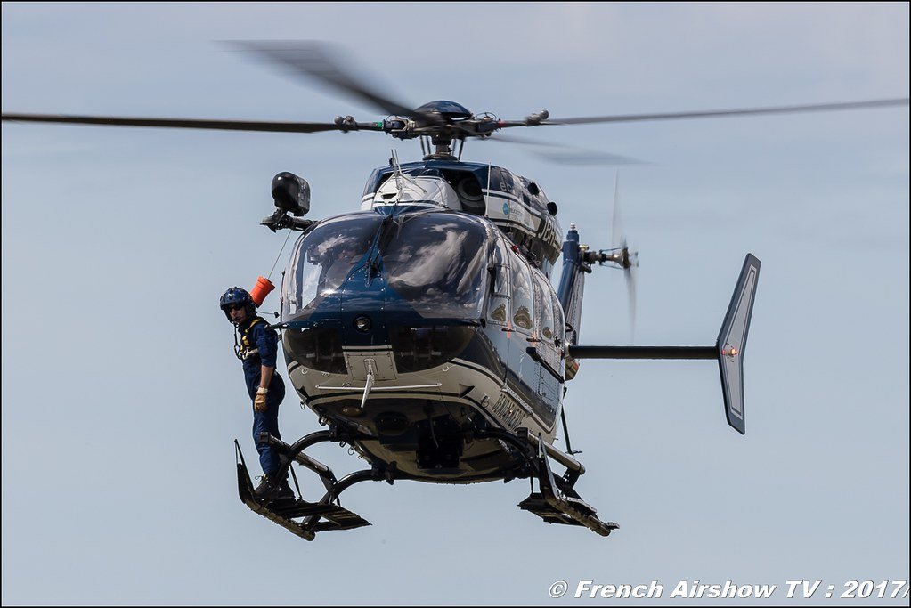 Maître-chien au sein de la Gendarmerie nationale , Groupe d'investigation cynophile , H-145 , Meeting de l'Air BA-106 Bordeaux Merignac , meeting aerien 2017 , Airshow