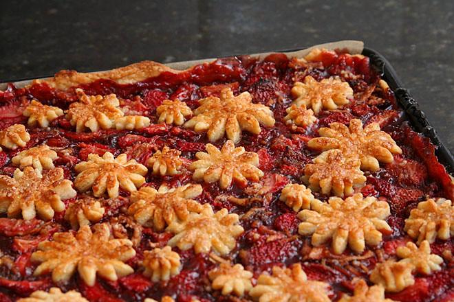 strawberry balsamic pie 5