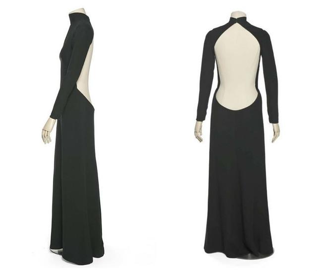 Черное платье Мирей Дарк