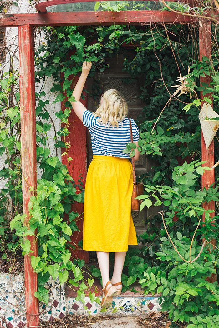 austin style blogger writes like a girl madewell midi skirt17