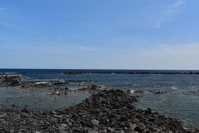 八丈島・底土キャンプ場からの海