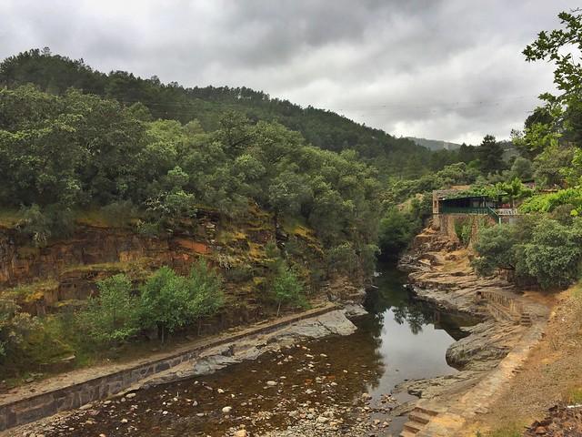 Charco de la Olla, la piscina natural de Las Mestas en Las Hurdes (Cáceres)