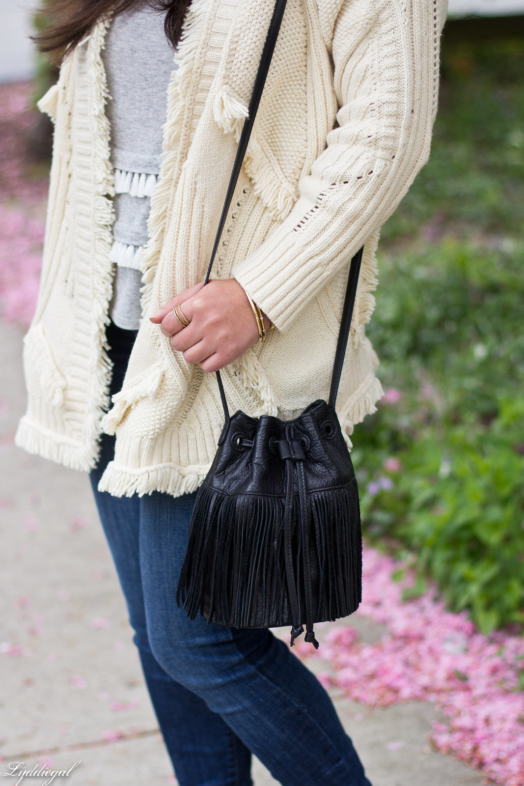 fringe sweater, tassel tee, bucket bag, wool fedora-20.jpg