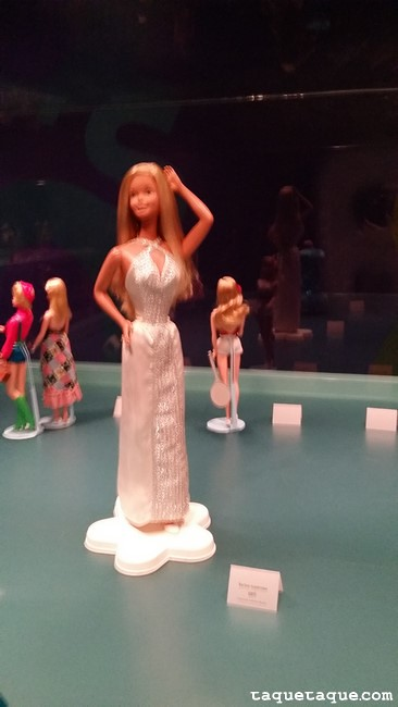 Barbies de 1970s (vista trasera) Barbie Superstar XXL