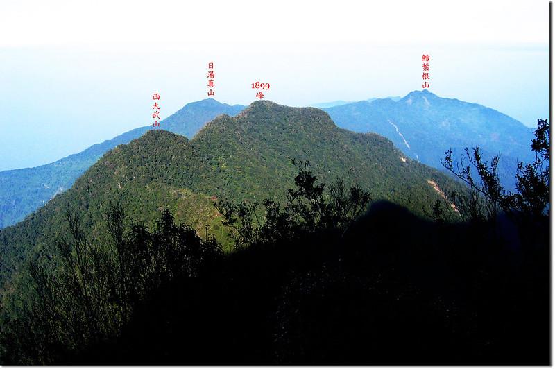 檜谷山莊前展望台俯瞰西大武山、1899峰