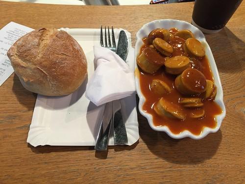 Currywurst & Brötchen @ Airport Düsseldorf