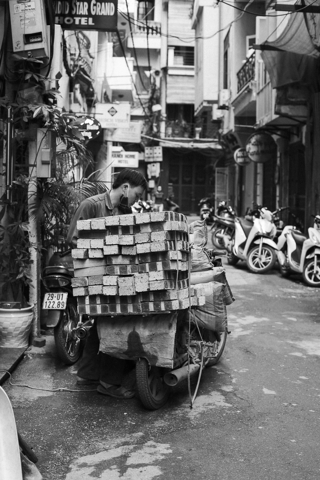 Hanoi_8_a, Hanoi, Vietnam, Photo and Travel Diary by The Curly Head, Photography by Amelie Niederbuchner,