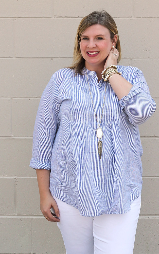 blue stripe pintuck popover, white jeans and strappy sandals_2