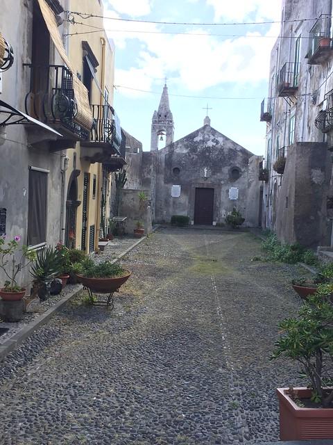 Piazza S. Bartolo - Lipari Stadt