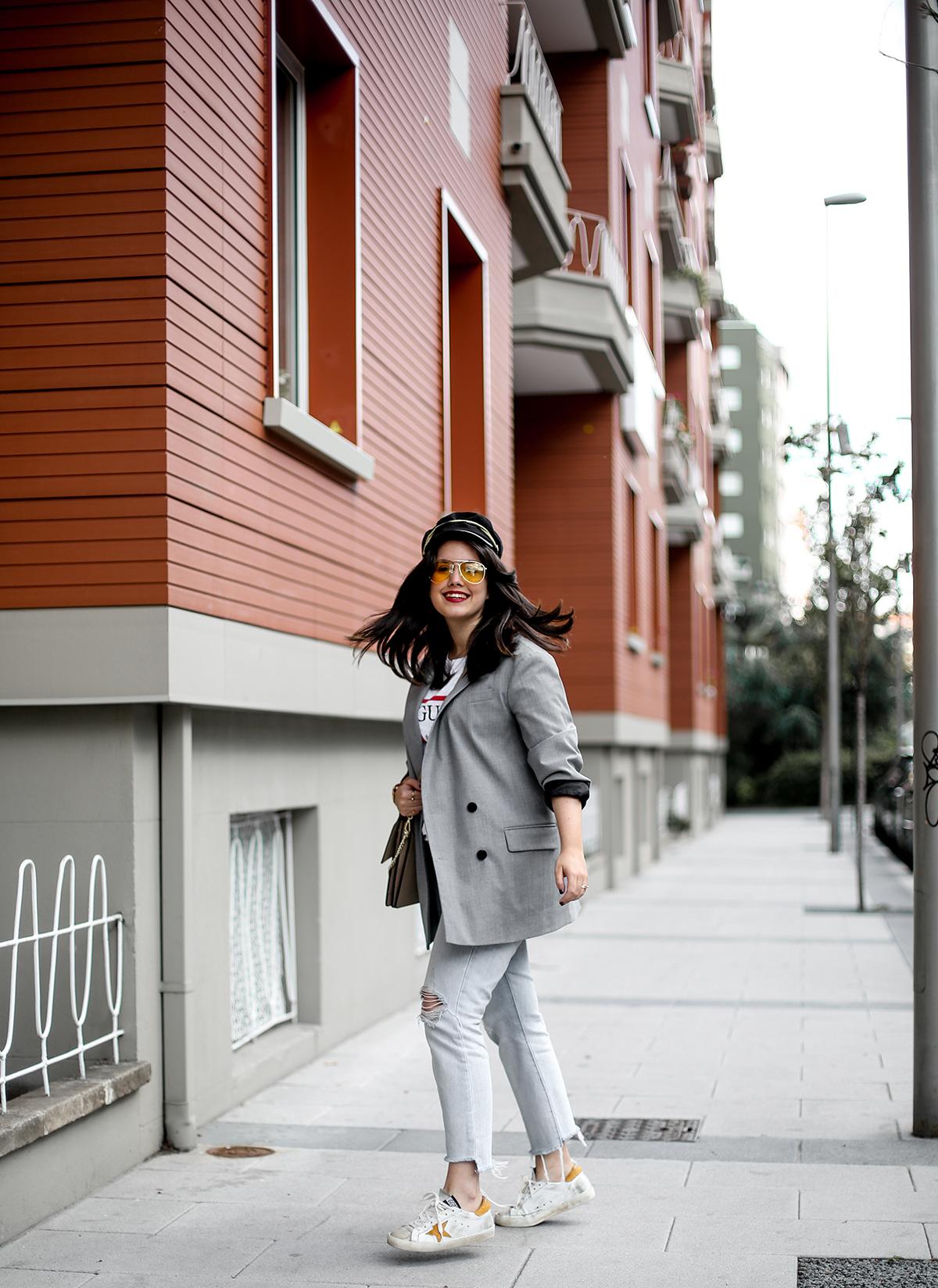 look-blazer-gris-levis-501-golden-goose-sneakers-myblueberrynightsblog7