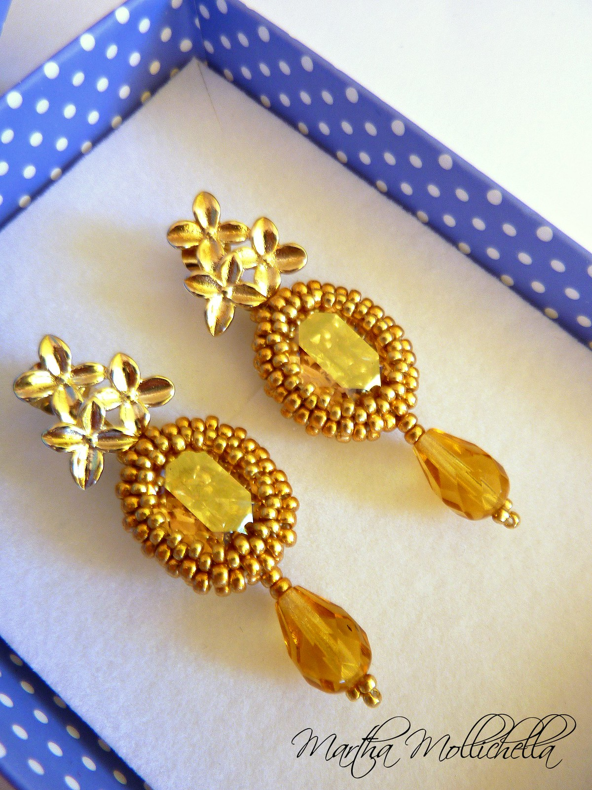 gold earrings beaded handmade earrings by Martha Mollichella