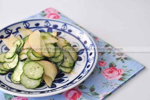 Tangy cucumber apple salad