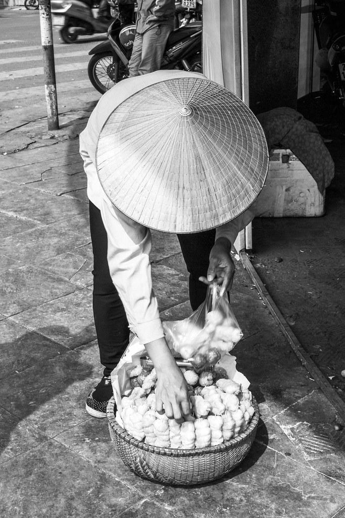 Humans of Hanoi   Adelante