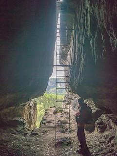 Luftige Leiter in der Klufthöhle am Winterstein