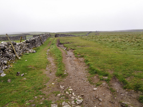 The path to Pen-y-ghent