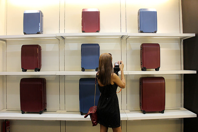 Zero Halliburton Duane Bacon Blogger Luggage Travel Ruth dela Cruz