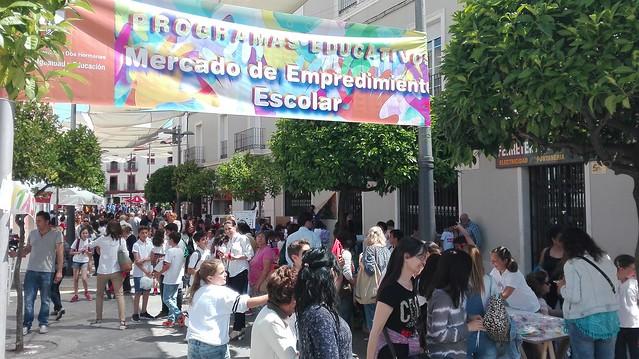 Mercado de Emprendimiento Escolar en La Mina