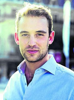 Nhà văn đẹp trai Joel Dicker của Pháp ngày càng nổi tiếng