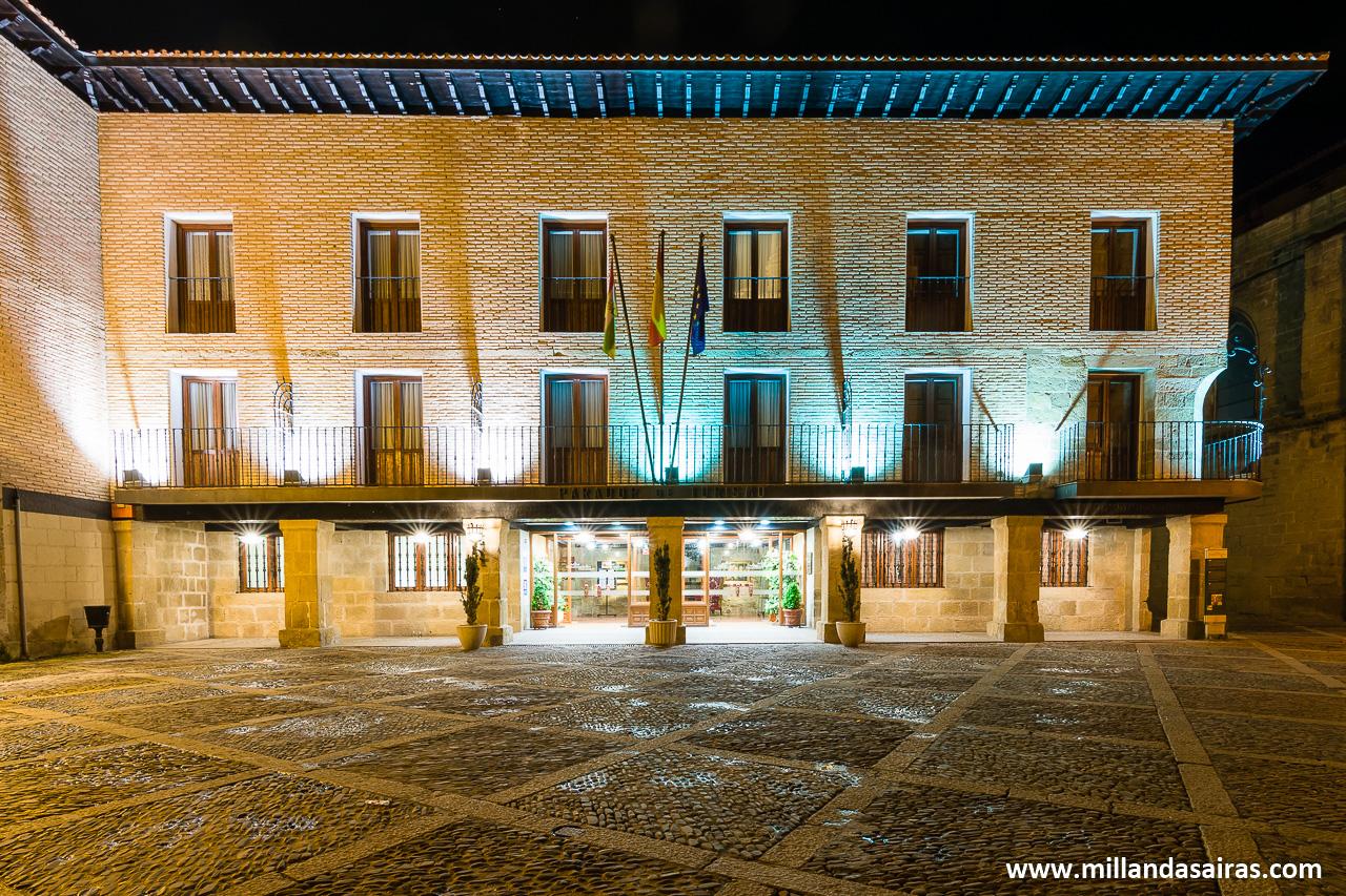 Parador y antiguo albergue de peregrinos