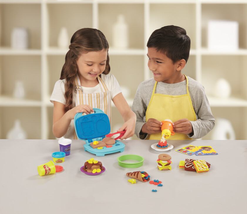 PLAY-DOH Kitchen Creations Junior Chef Competition