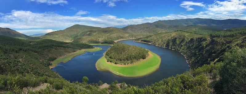 Foto panorámica del Meandro del Melero desde el mirador de La Antigua (Las Hurdes, Cáceres)