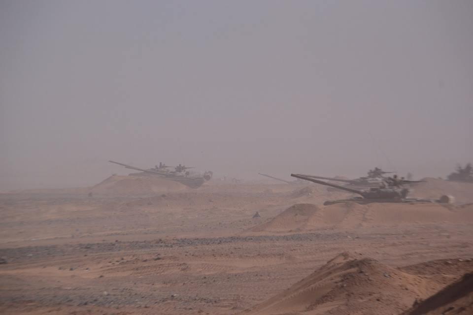 صور دبابات قتال رئيسية الجزائرية T-72M/M1/B/BK/AG/S ] Main Battle Tank Algerian ]   - صفحة 4 33979189274_4fbb341c39_o