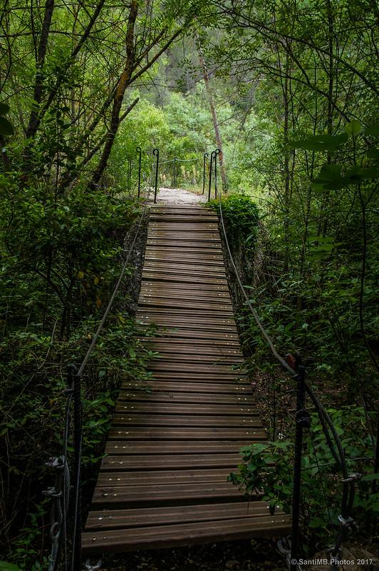 El segundo puente colgante después de Lo Pont Penjat