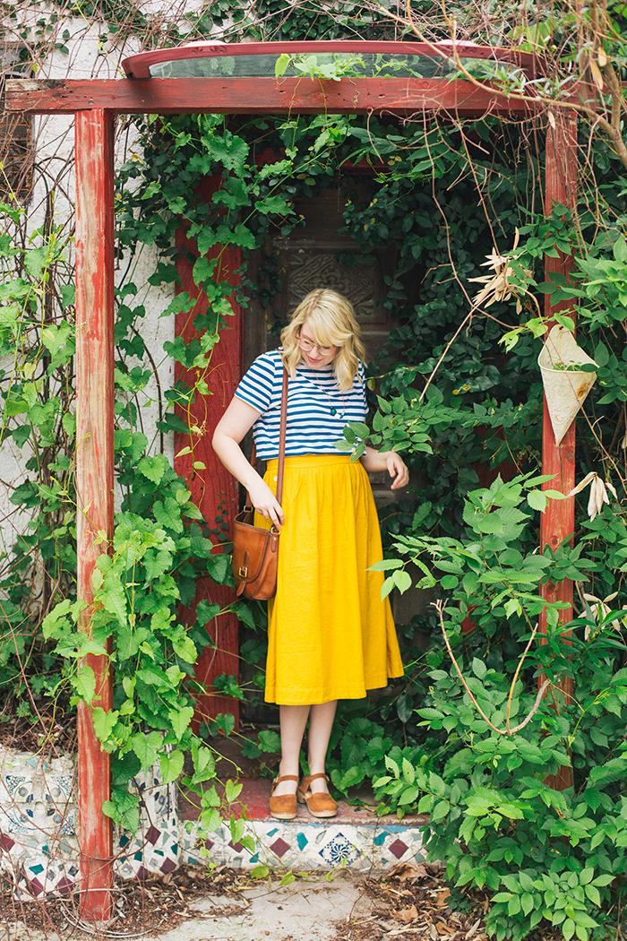 austin style blogger writes like a girl madewell midi skirt21
