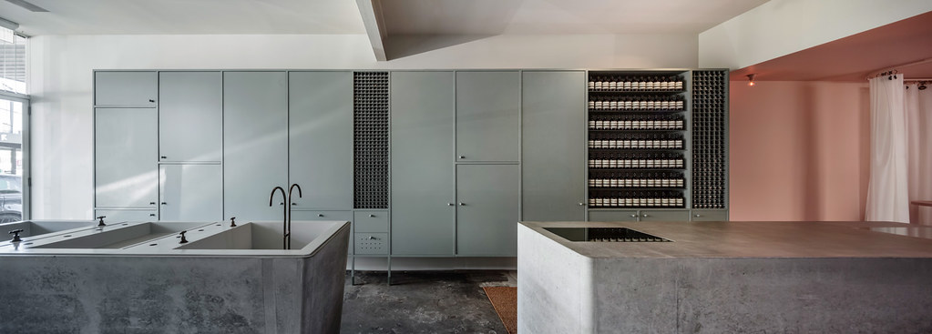 Pink store design Aesop in Fitzroy by Clare Cousins Architects Sundeno_03