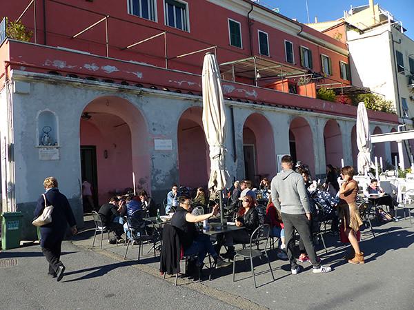 terrasse pour l'aperitivo oneglia