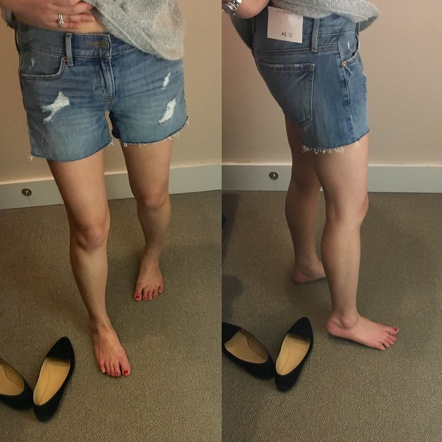 LOFT Cut Off Denim Shorts in Classic Light Indigo Wash, size 24/00 regular